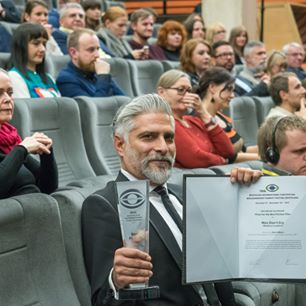 """Glavna nagrada filmu """"Muškarci ne plaču"""" Bratislava FF"""