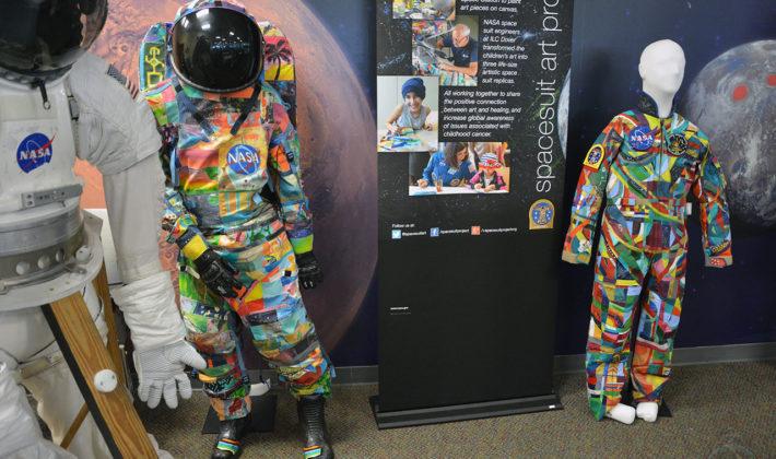 Mališani na UKC-u Tuzla oslikavaju svemirsko odijelo!!!