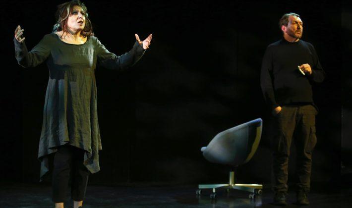 """Gostovanje predstave """"Za umrijet od smijeha"""" na sceni SARTR-a"""