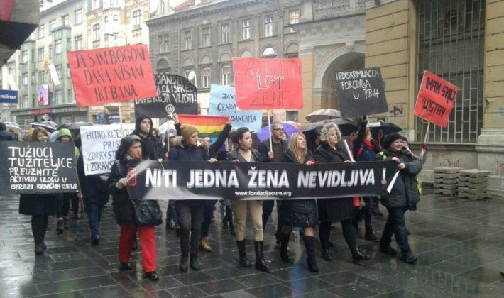 """Aktivistički marš """"Niti jedna žena nevidljiva"""""""