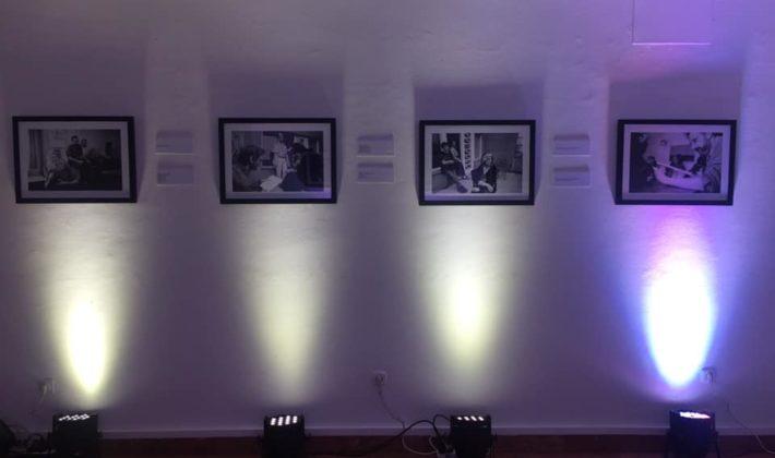 """Izložba fotografa Paula Lowea """"Čekajući Godoa: Susan Sontag u Sarajevu"""" gostuje u Konjicu"""