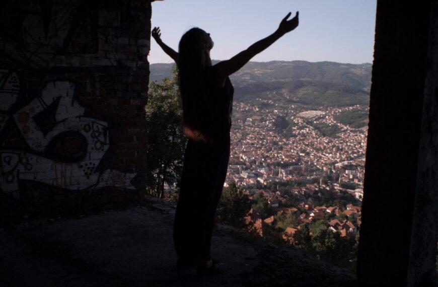 Večeras u 21 sat emitovanje plesno-dokumentarnog filma Sarajevo-Femme Fatale